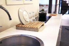 Exit votre égouttoir tristounet, apprenez à fabriquer un égouttoir moderne et tendance, en bois et béton !
