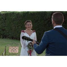 Momentos únicos. #bodasoñada #weddingphotography #hoteljerez #weddingdress #fotosreal #fotosdeboda #weddingtime #weddingday  #weddingdress #estrellayjose #estilopropio #sorpresa #cantautores http://gelinshop.com/ipost/1524617722570140476/?code=BUoh72sDus8