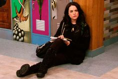 Find images and videos about liz gillies, elizabeth gillies and jade west on We Heart It - the app to get lost in what you love. Jade West Victorious, Icarly And Victorious, Liz And Liz, Hollywood Arts, Tori Vega, Ariana Grande Photoshoot, Pretty Females, Elizabeth Gillies, Badass Women