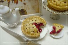 Petit D' Licious: April 2013 miniature cherry pie