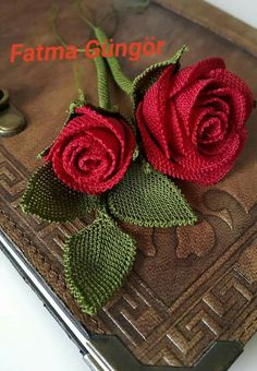 This Pin was discovered by Ayl Diy Flowers, Crochet Flowers, Needle Lace, Irish Lace, Lace Making, Needlework, Elsa, Diy And Crafts, Projects To Try