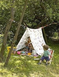 Creative and Cool Ways to Reuse Old Bed Sheets.- Creative and Cool Ways to Reuse Old Bed Sheets. Creative and Cool Ways to Reuse Old Bed Sheets 32 - Child Friendly Garden, Diy For Kids, Crafts For Kids, Quick Garden, Summer Garden, Garden Kids, Party Garden, Garden Table, Old Bed Sheets