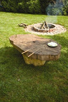 Rustic Home Decor: Tree Stump Table - Do It Yourself - MOTHER EARTH NEWS