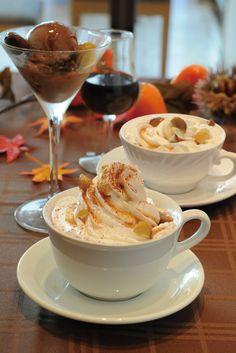2012.10Kukkaオリジナルマロンドリンク 秋の風味、栗を使ったクッカオリジナルドリンクをご用意いたしました。 それぞれに栗のテイストを入れた、秋味のドリンクをお楽しみ下さい。