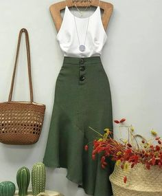 Yo quiero esta falda me encanta este color Classy Outfits, Stylish Outfits, Mode Hippie, Mode Outfits, Mode Inspiration, Mode Style, Look Fashion, Casual Looks, Dress To Impress