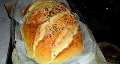 Erdélyi krumplis-magvas kenyér recept - Hozzávalók kenyérre: Kenyérbe 1 kg búzaliszt (BL55) 50 g élesztő (friss) 500 ml víz 1 púpos evőkanál só 1 db burgonya (főtt, áttört) 1 db babérlevél (friss, vagy szárított) 1 csapott evőkanál szezámmag 1 csapott evőkanál lenmag 1 csapott evőkanál napraforgómag 100 ml víz Kenyér tetejére 1 kiskanál étolaj 1 csapott mokkáskanál lenmag 1 csapott mokkáskanál szezámmag Bread Recipes, Cooking Recipes, Salty Foods, Just Eat It, Hungarian Recipes, Bread And Pastries, Bread Baking, No Bake Cake, Food To Make