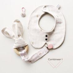 Burp & Slurp Bib (model Amandine) - Bunny Love