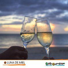 ¿Te has imaginado pasar tu luna de miel en Centroamérica?   Esta región puede ofrecerte algunos de los paisajes más románticos para estos días tan importantes o ser el escenario ideal para una escapada con tu pareja...