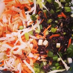 1/2 & 1/2 #Vegan Duo #Salad - Shredded Cabbage, Sweet Onion, Carrot & Apple + @lundbergfarms Wild Blend & Black Japonica #rice with Spring Onions pre #hiking #Lunch #happy #healthy me!