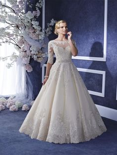 Eiliyah by Ronald Joyce. Interest Free Payment Plan #prudencegowns #ronaldjoyce