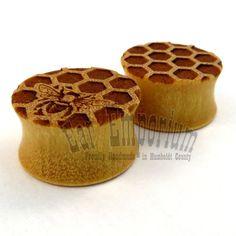 "Lonley Honey Bee on Yellowheart Wooden Plugs (10mm) 7/16"" (11 mm) 1/2"" (13 mm) 9/16"" (14 mm) 5/8"" 11/16"" 3/4"" 7/8"" 1"" Honeycomb Ear Gauges"
