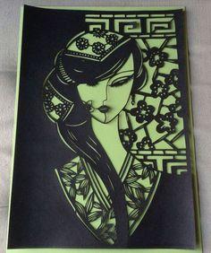 femme asiatique en papier decoupé