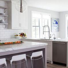 Kitchen Peninsula Dishwasher