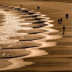 Beach cusps