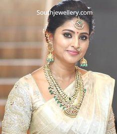 34 super ideas for south indian bridal saree cream Bridal Sarees South Indian, South Indian Weddings, Bridal Blouse Designs, Saree Blouse Designs, Sneha Saree, Sabyasachi, Sneha Actress, Mango Mala, Saree Jewellery