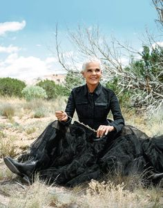 Ali MacGraw photographed in Santa Fe by Pamela Hanson for Porter magazine. Ali Macgraw, Thats Not My Age, Pamela Hanson, Romantic Films, Mode Plus, Ageless Beauty, Advanced Style, Aging Gracefully, Fashion Photo
