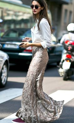 Street style | White shirt, glam maxi skirt, sneakers