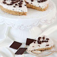 After Eight cheesecake. Läcker dessert med en gräddig mousse på en smulig botten av digestivekex.
