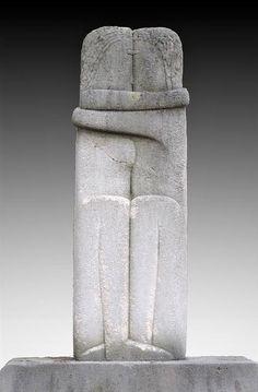 Constantin Brancusi - Le Baiser (The Kiss) - 1909 Brancusi Sculpture, Stone Sculpture, Sculpture Art, Constantin Brancusi, Instalation Art, Art Pierre, Land Art, Stone Carving, Online Art