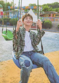 You guys must be already know that BTS's RM or Bangtan Sonyeondan's Kim Namjoon style in BTS's Summe Kim Namjoon, Kim Taehyung, Seokjin, Jimin, Bts Bangtan Boy, Rapmon, Foto Bts, Bts Photo, Mixtape