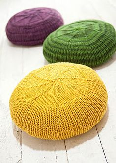 """Materials 300 g of mustard-yellow yarn of the """"Mille II"""" type merino wool, polyacryl, suitable Knitted Pouf, Knitted Baby Blankets, Free Baby Blanket Patterns, Baby Knitting Patterns, Easy Knitting, Knitting Yarn, Diy Pouf, Knit World, Diy Furniture Decor"""