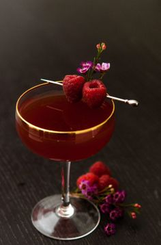 Make this Valentine's Day cocktail to really put you in the mood! This Damiana tea and sake cocktail is a divine Valentine aphrodisiac! Cocktails For Two, Vodka Cocktails, Refreshing Cocktails, Yummy Drinks, Sweet Cocktails, Craft Cocktails, Cocktail Garnish, Cocktail Drinks, Cocktail Recipes