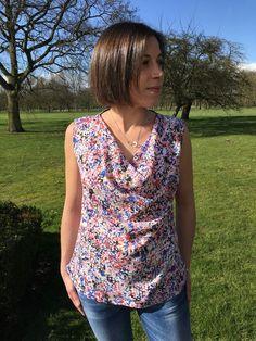 Tee-shirt femme à col en viscose très féminin et agréable à porter