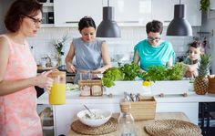Let the guests help you prepare lunch