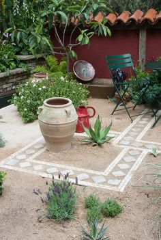 Dry patio garden - Water Conservation | Plant & Flower Stock Photography: GardenPhotos.com