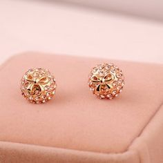 $4.14 Pair of Rhinestone and Bowknot Decorated Women's Stud Earrings