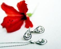 teardrop jewelry art deco clear crystal swarovski rhinestone necklace earrings wedding jewelry bridal jewelry bridesmaids jewelry set by sestras on Etsy https://www.etsy.com/listing/158424838/teardrop-jewelry-art-deco-clear-crystal