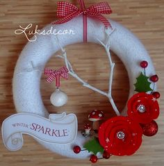 Winter White Yarn Felt Wreath with red Roses, green holly Leafs, Toadstools and a white Twig - https://www.facebook.com