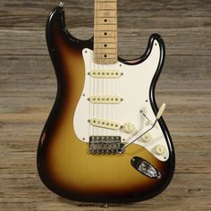 Fender Custom Shop '56 Stratocaster 3-Tone Sunburst 2000 (s577)