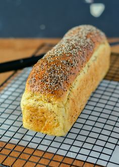 White spelt bread with Chai seeds