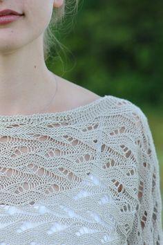 Veronik Avery | Hélène pattern, beautiful design | purchase on Ravelry