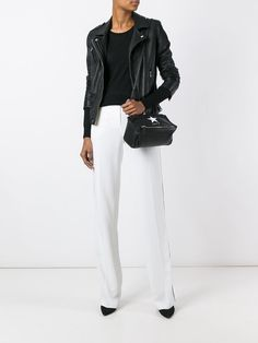 https://www.farfetch.com/lu/shopping/women/givenchy-mini-pandora-crossbody-bag-item-11790636.aspx?storeid=9462