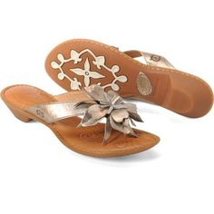 BORN Chacha Silver Sandals Thongs Shoes Womens SZ 8 $84.95