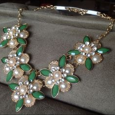 Green and Pearl Flower Statement Necklace NEW Green and Pearl Flower Statement Necklace. LOWEST PRICES LISTED UPFRONT! Jewelry Necklaces