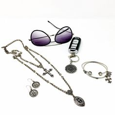 ♥ Fun things to wear at bbeni.com♥ https://bbeni.com/…/christiane-long-silver-pearl-cross-neck… https://bbeni.com/…/ear…/products/fleur-de-lis-coin-earrings https://bbeni.com/…/key-…/products/guide-me-compass-key-ring #jewelry #fashion #crossnecklace