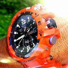 The bright orange GWA1100R-4A is as useful as it is #stylish! Majestic shot Gadget Gubi!