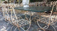 Gli amici di arredoscout vanno in giro a cercare arredi interessanti e ... li trovano. Tavolo in ferro battuto trovato in un deposito in Liguria.