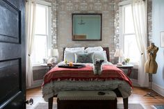 Ruthie's Really Fantastic Fixer Upper — House Call Dream Bedroom, Home Bedroom, Bedroom Ideas, Fixer Upper House, Of Wallpaper, Metallic Wallpaper, Beautiful Wallpaper, Apartment Therapy, Apartment Living