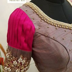 Cant wait for the professional pics 😍 Kalamkari Blouse Designs, Wedding Saree Blouse Designs, Designer Blouse Patterns, Fancy Blouse Designs, Blouse Neck Designs, Boutique Interior, Portfolio Design, Van Laack, Stylish Blouse Design