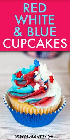 4th of July cupcakes are the perfect sweet treat for your holiday celebration! These red, white and blue patriotic cupcakes will add a fun and festive touch to BBQs, backyard parties, and picnics. An easy cupcake recipe made with simple pantry staples. Kids will love to help with making and decorating to create their own 4th of July and Memorial Day cupcakes! Click thru to get this awesome cupcake recipe!! #4thofJulycupcakes #cupcakes #fourthofjuly #july4th #july4threcipes #redwhiteandblue Holiday Cupcakes, Patriotic Cupcakes, Fun Cupcakes, Cupcake Cakes, Easy Potluck Recipes, Easy Cupcake Recipes, Snack Recipes, Dessert Recipes, Summer Recipes