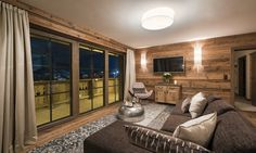 Chalet Ariane is a luxury ski chalet in St Anton exclusively run by Kaluma Ski. An exclusive luxury ski apartment part of Chalet Eden Rock. St Anton, Ski Chalet, Lounge Areas, Dining Area, Balcony, Skiing, Bedroom, Luxury, Furniture