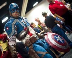 #Marvel #CaptainAmerica #Cosplay Comic-Con 2011 – Captain America Top Cosplay, Casual Cosplay, Best Cosplay, Cosplay Costumes, Cosplay Ideas, Superhero And Villain Costumes, Superhero Cosplay, Clever Costumes, Easy Halloween Costumes
