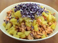 Liian hyvää: Pastasalaatti lämminsavulohesta Fusilli, Fruit Salad, Cabbage, Vegetables, Food, Red Peppers, Fruit Salads, Meal, Essen