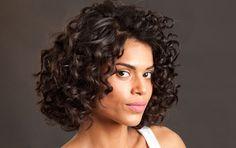 Fotos de Beleza: Ondas em alta: aprenda a fazer três cabelos da moda com os produtos certos