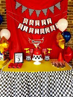 New disney cars birthday party invitations lightning mcqueen ideas Disney Cars Birthday, Race Car Birthday, Birthday Party Tables, Cars Birthday Parties, Birthday Games, Birthday Party Invitations, Cake Birthday, Disney Cars Cake, Disney Cars Party