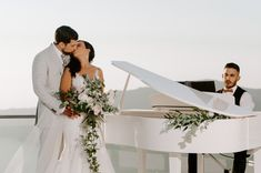Create a memorable exprerience at your wedding day with melodies of piano !